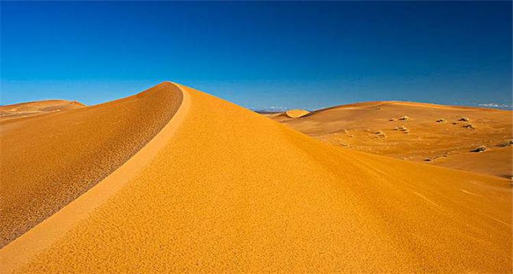 撒哈拉沙漠骆驼+摩托团3日游<目的地参团>(菲斯小镇+马拉喀什+梅祖卡+瓦尔扎扎特+托德拉峡谷+伊芙兰)