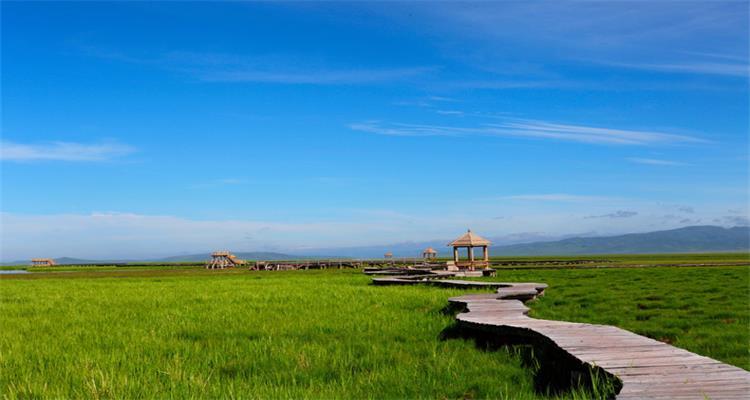 《无边绿翠》月亮湾+花湖河它温泉谷+郎木寺+红军纪念碑 +松坪沟纯玩 三日游